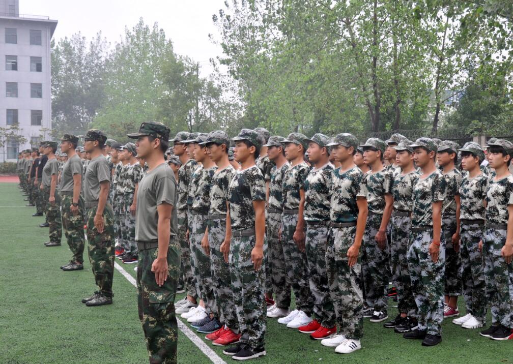 军训服务-队列