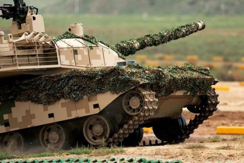 中国军用重型工程机械装甲防护改装获突破