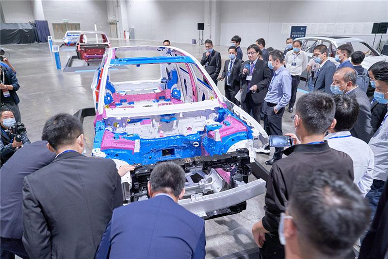 岚图中大型高端智能电动SUV白车身亮相,发布两大首创技术