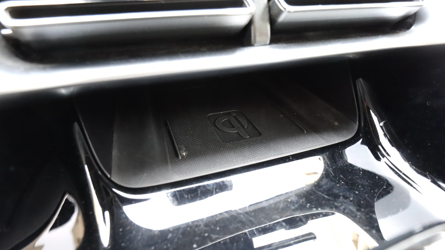 比亚迪宋PLUS EV:20万内电动SUV实用之选