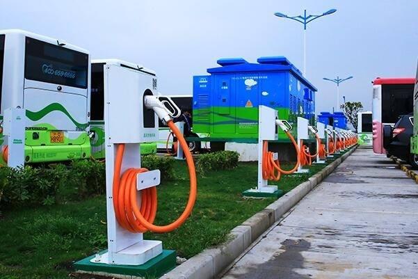 """特来电""""烧车包赔""""7月1日上线,一个月需在特来电直流充电5次"""