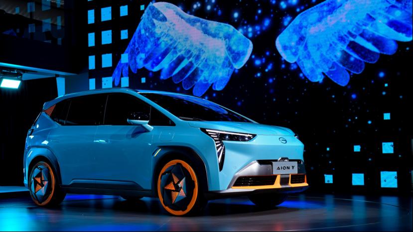 【新闻稿】广汽埃安独立开启品牌发展新纪元,超定律智能纯电SUV埃安Y全球首发(1)1191_20201120_134358453