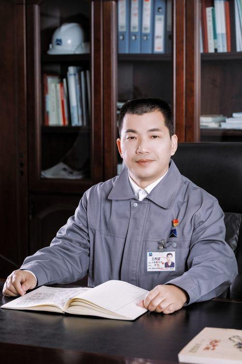 杨靖 党委书记 董事长