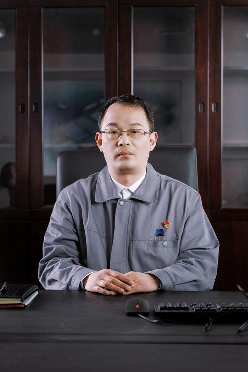 许凯 董事 总经理 党委副书记