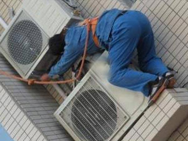 空调器室内机与室外机典型通信电路
