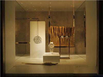 珠宝陈列橱窗设计中的小心思