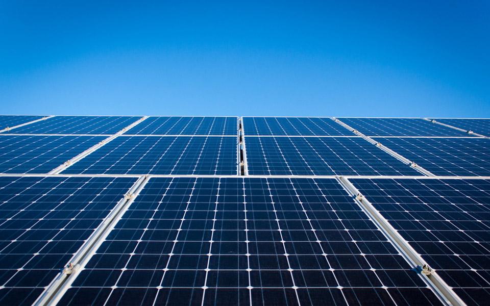 10月,上海市批准上海电气(集团)总公司和上海机电控股(集团)公司实行联合重组,组建新的上海电气(集团)总公司。