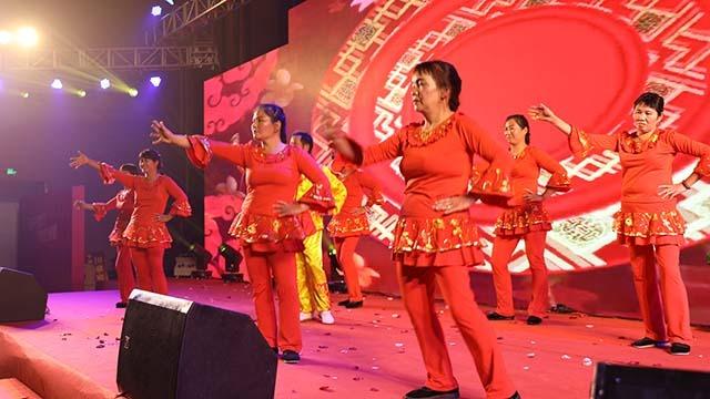 由园管处提供的广场舞【庆余年】精彩表演