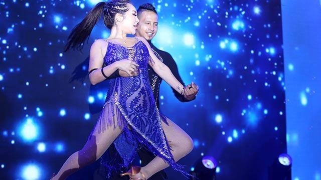 年会上的拉丁舞《云中之舞》