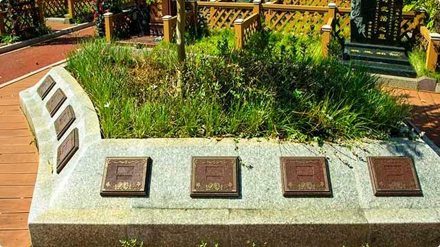 绿色殡葬,高端花坛葬碑