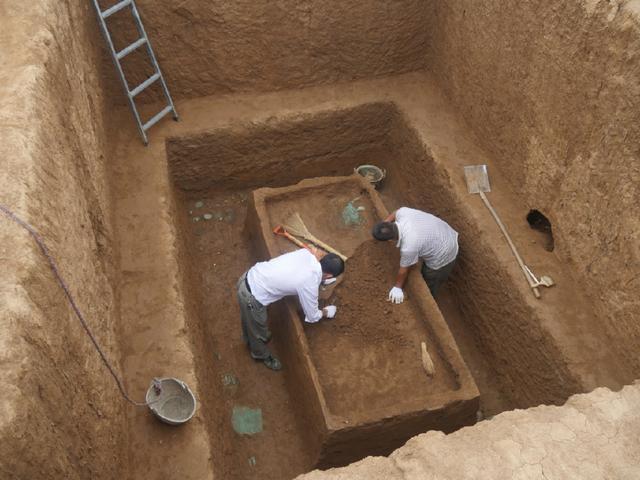 河南义马市发现春秋墓葬群
