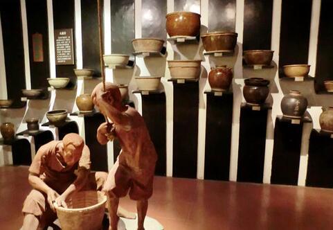 世界最大的一对陶瓷浮雕门神