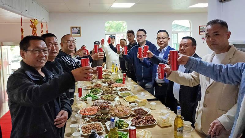 春节留守人员聚餐800