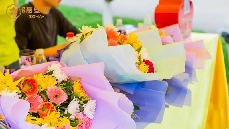 13文明祭祀,鲜花缅怀
