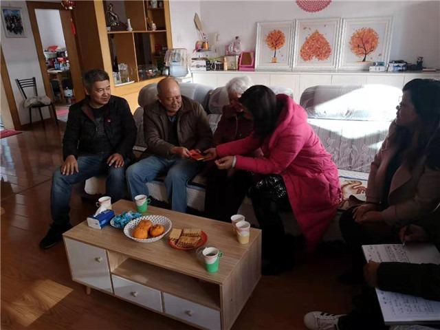 春节慰问老党员、困难党员 岁寒情深暖人心