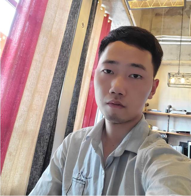 高级设计师 陈龙飞