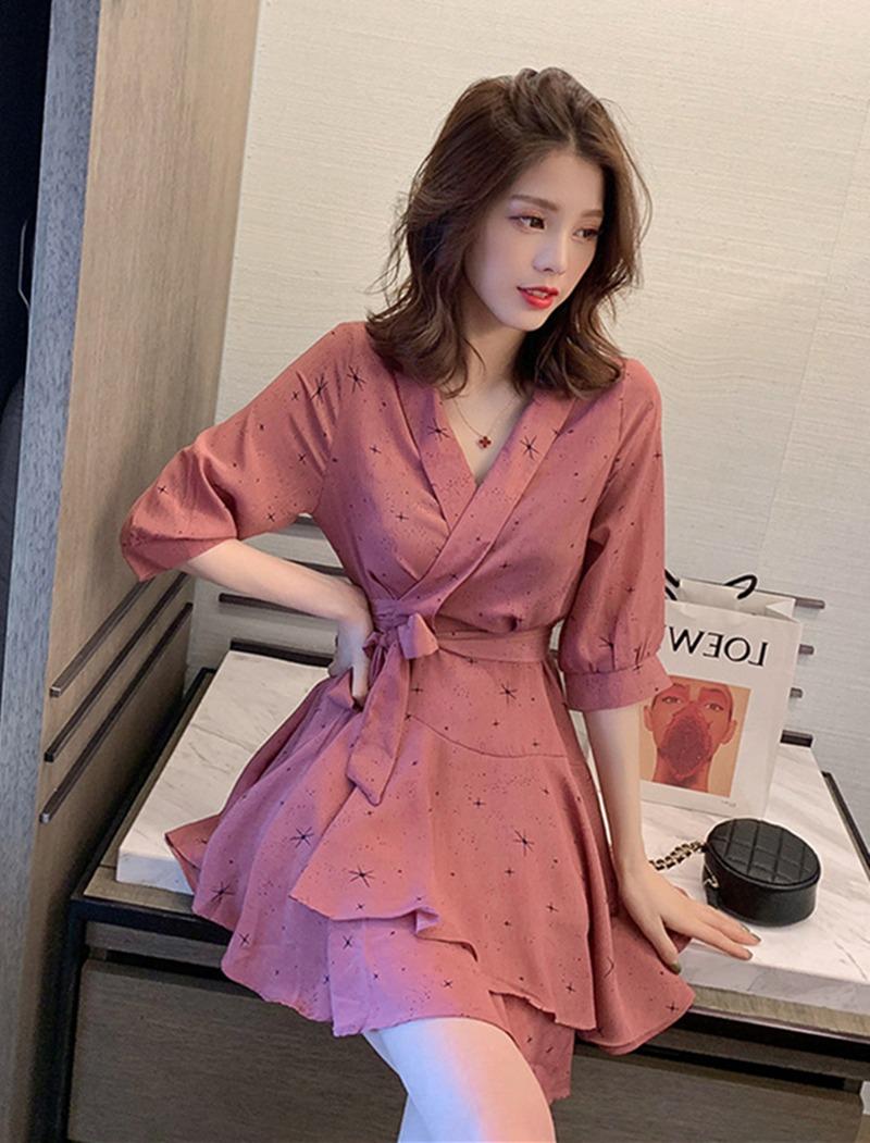 韩版V领收腰五分袖星星连衣裙女 不规则显瘦A字裙