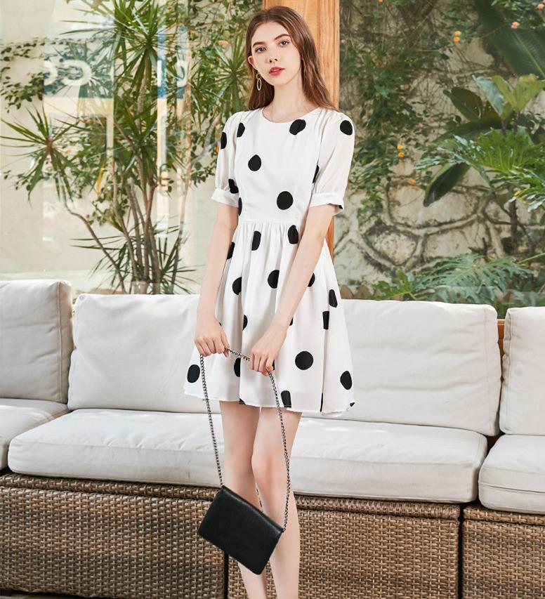 温柔风可爱少女波点裙 夏装新款圆领泡泡短袖矮个子连衣裙