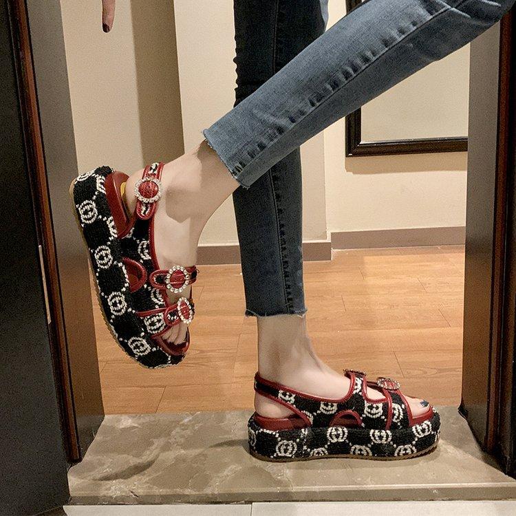 潮流凉鞋女 夏季新款韩版厚底沙滩鞋 水钻松糕底女鞋 罗马鞋