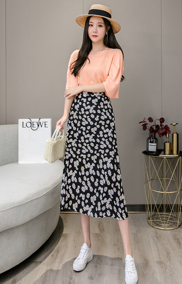 夏季新款 甜美清新松紧腰长裙子 遮胯中长款高腰A字裙 雪纺碎花半身裙 度假