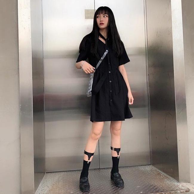 夏装潮流黑色连衣裙 法国复古风范连衣裙 过膝智熏裙 法式小个子V领小黑裙