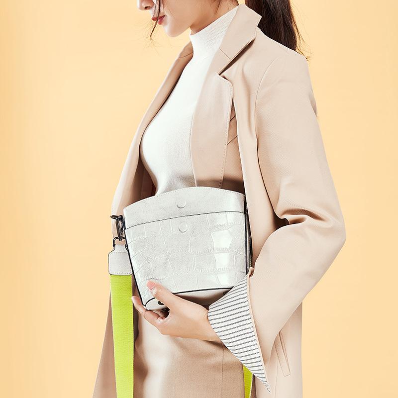 新款 经典复古鳄鱼纹牛皮水桶包 单肩斜跨女士包