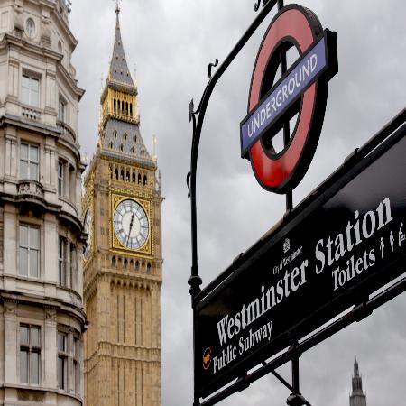 对话大不列颠——英国文商创新科技实践课程