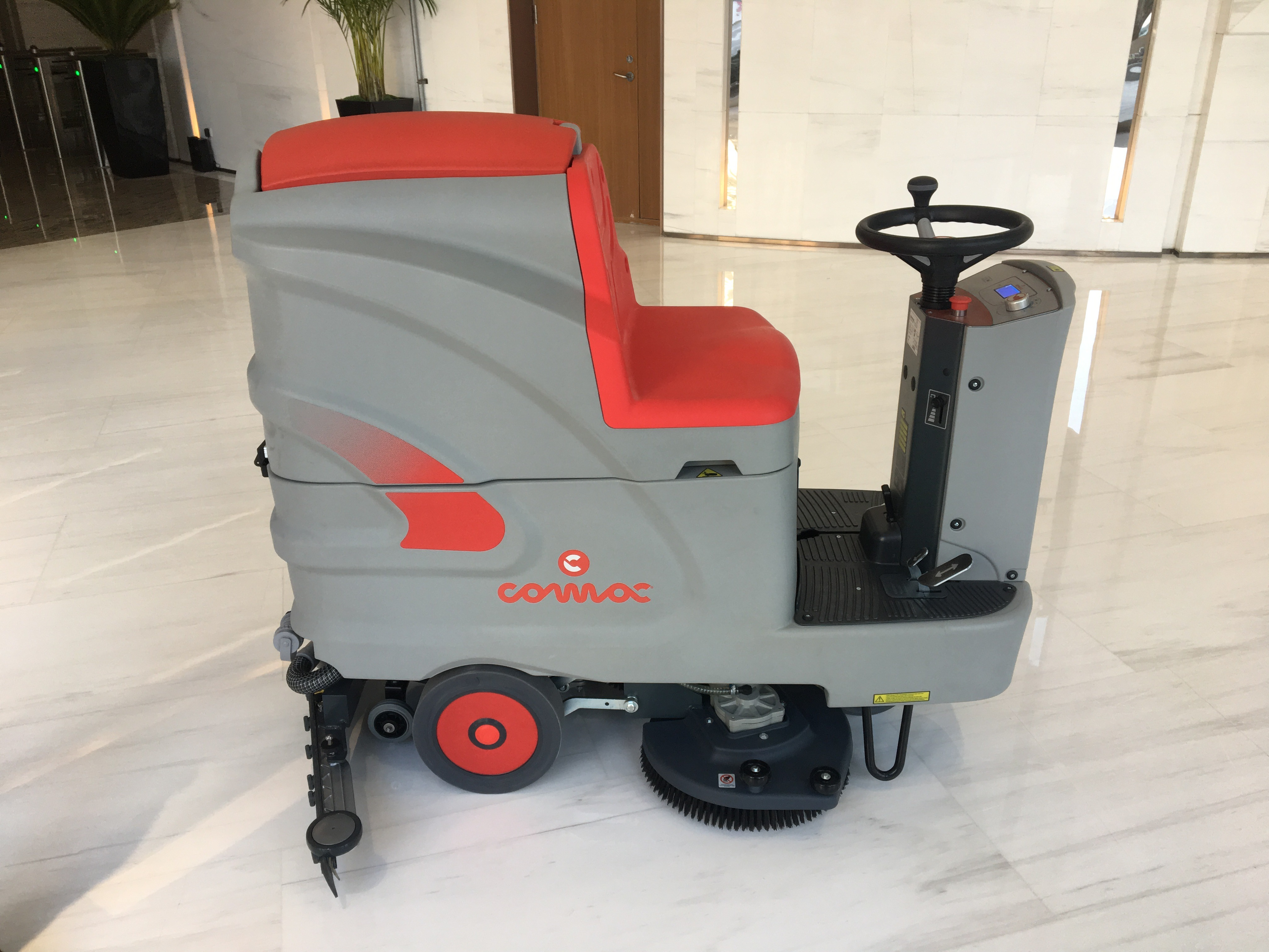 意大利COMCA洗地机