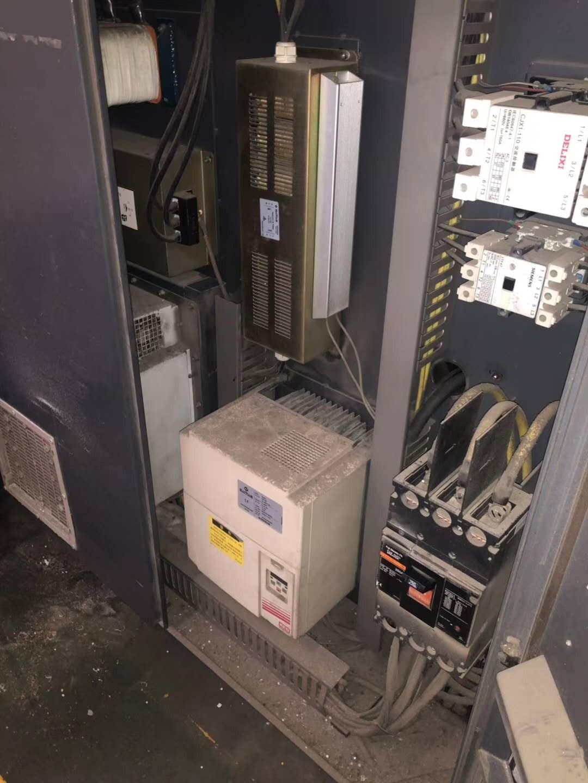 工厂生产中,海天MA800伺服电机一台,海天MA1000伺服电机一台。原装原装