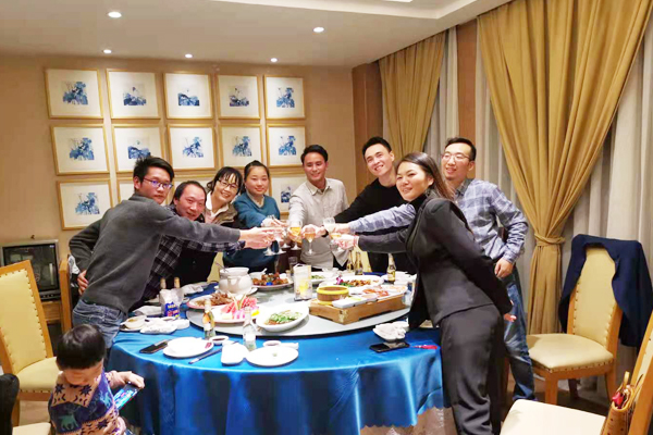 投入100万入股浙江荣越电气有限公司,成为其股东成员,为继电器发展奠定基础。