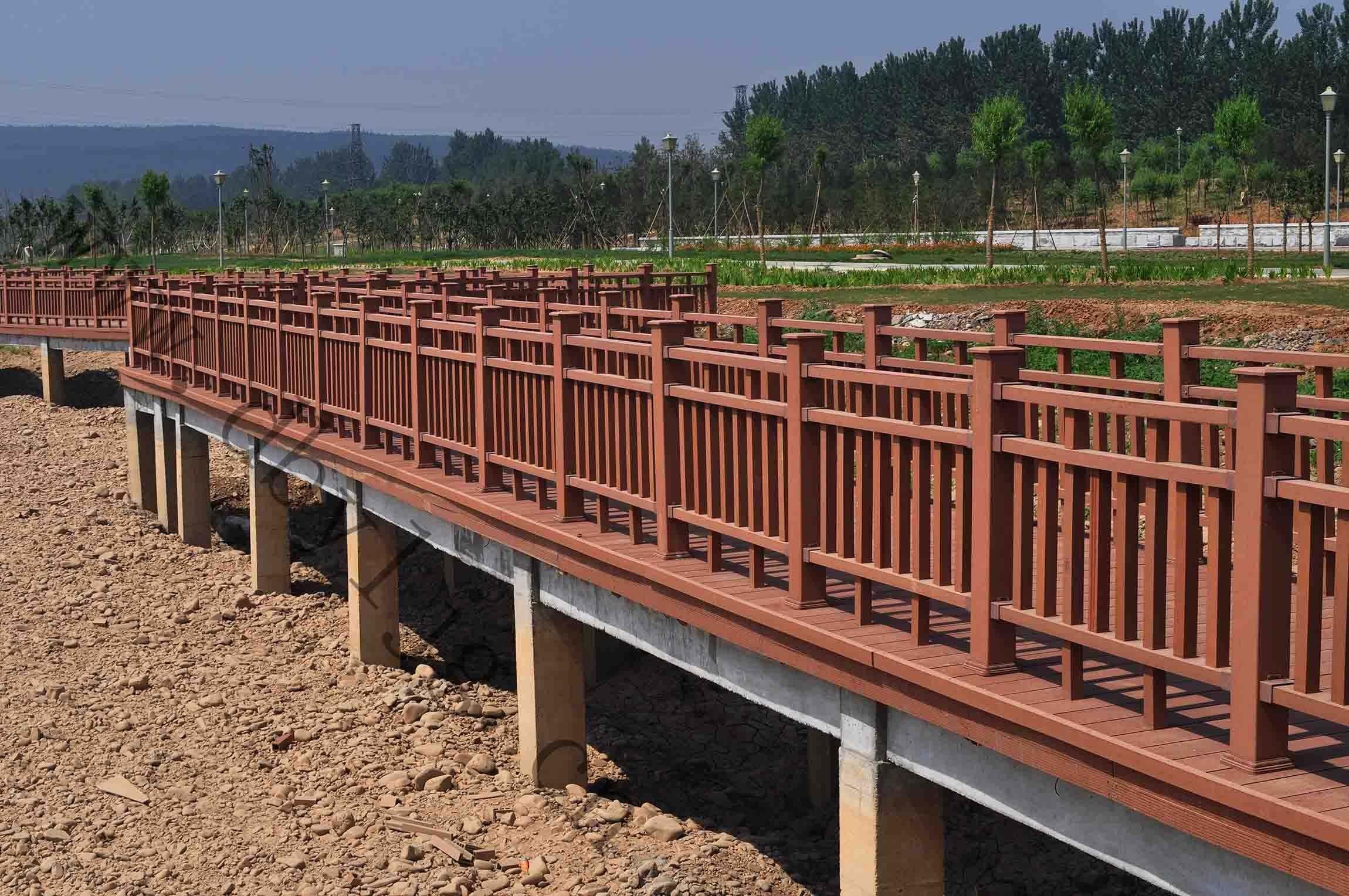 木塑栈道+栏杆