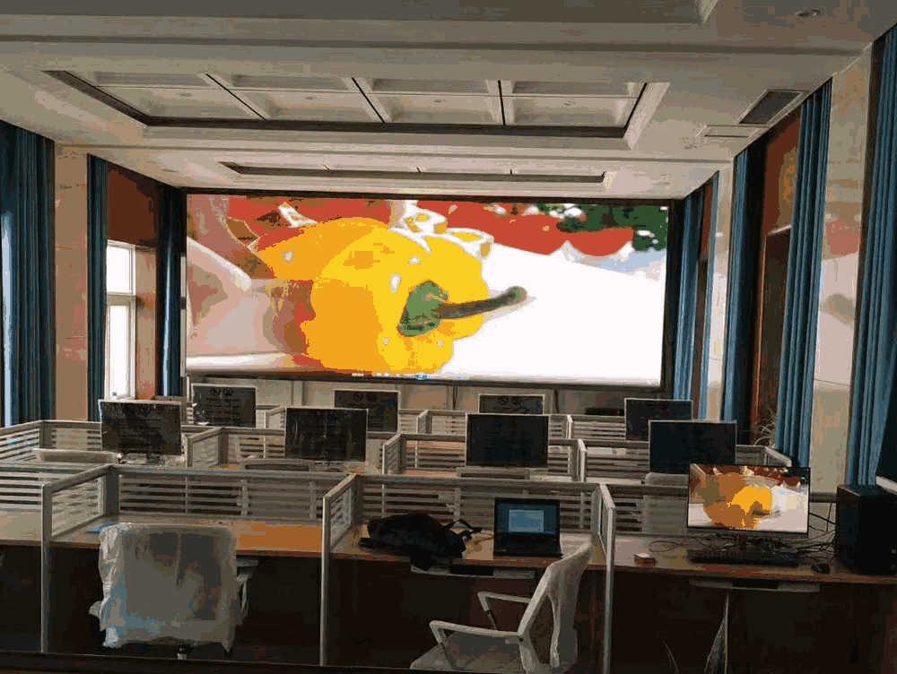 河南封丘县智慧城管会议室LED小间距屏