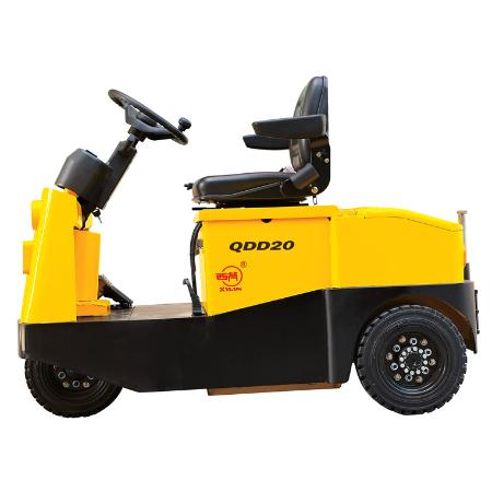 坐驾式牵引车QDD