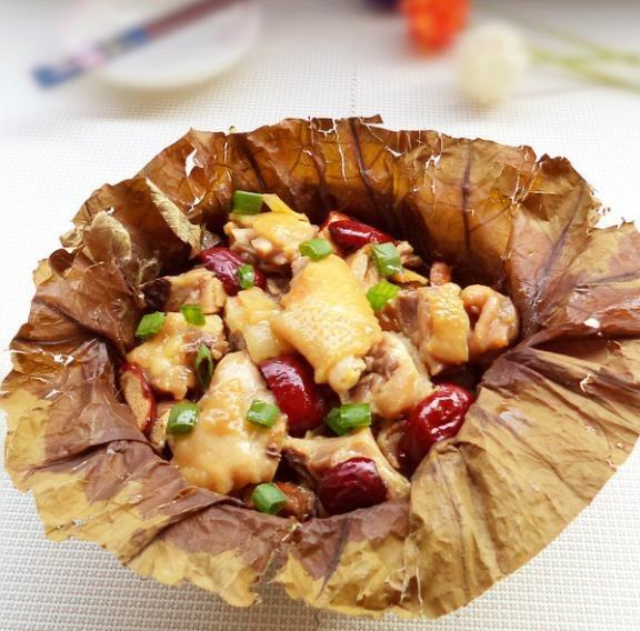 荷叶蒸全鸡(土鸡1只约2.5斤左右)