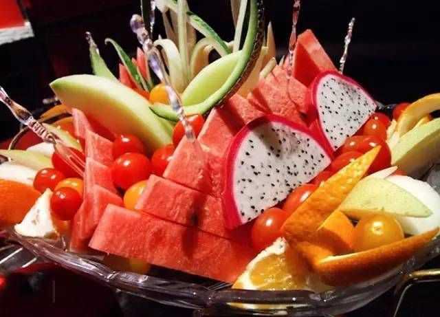 四季果盘(西爪,苹果,葡萄,橙子)