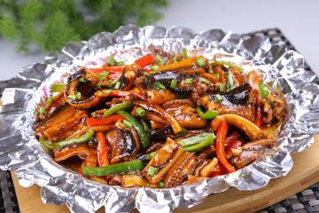 铁板尖椒鳝片(鳝鱼0.8斤)