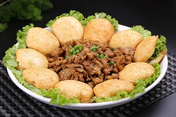 荷叶饼夹回锅肉(五花肉1斤,荷叶饼10个)