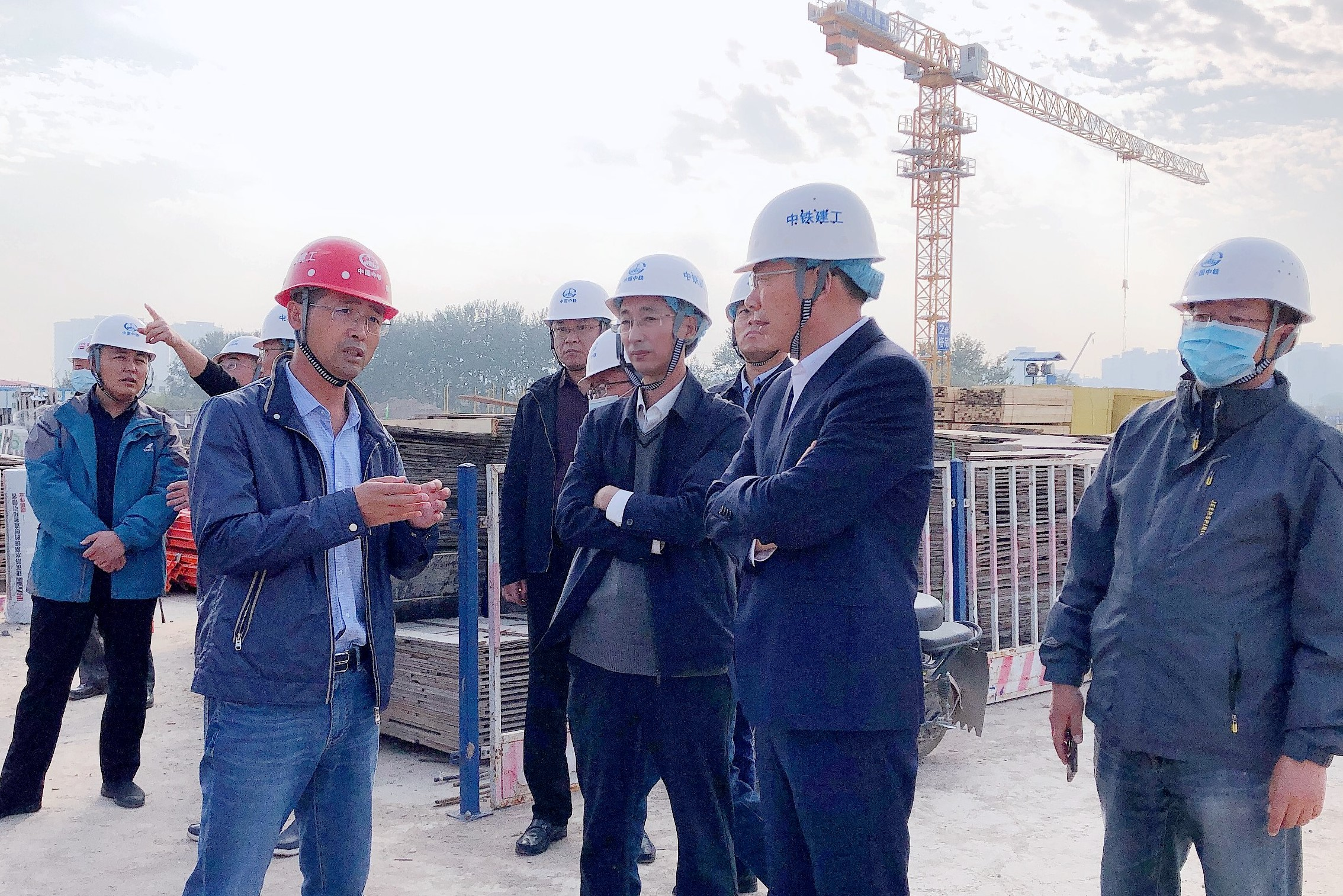 青岛市安委会安全生产第六督查组到即墨中心城项目检查指导工作