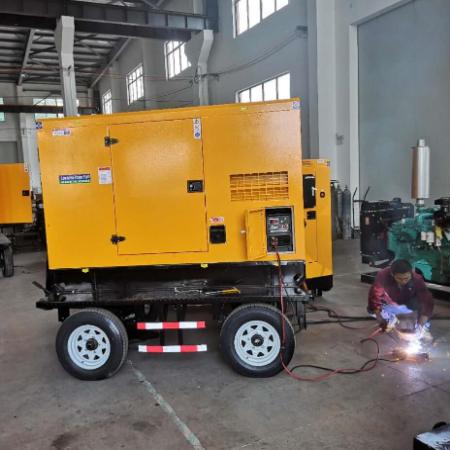 400A柴油发电电↑焊�机 移动式野ㄨ外大功率焊接