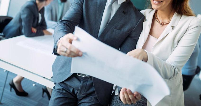 旅行有助于增加员工感情,提神团队协作意识,提高公司管理制度,放松员工心情,使员工更好地投入工作。英锐积极组织公司文体活动,集体旅行,首席讲师刘玉岩先生了解员工,积极融入团队,以便于更好...   地为客户服务。