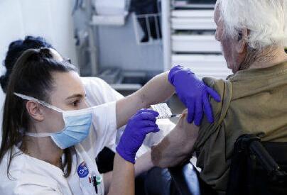 """法国宪法委员会批准""""健康通行证""""法案"""