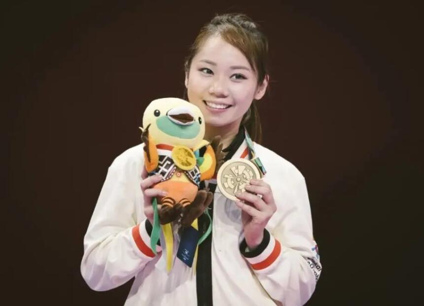 香港空手道运动员夺得奥运铜牌 特首祝贺称实至名归