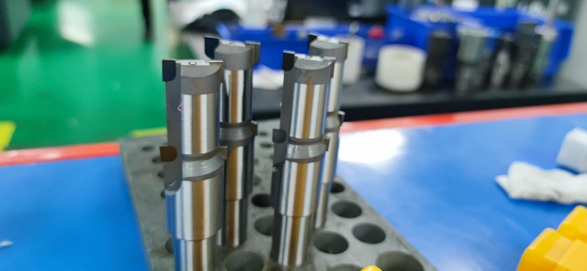 金刚石刀具的性能之聚晶金刚石 (PCD) 刀具的优缺点