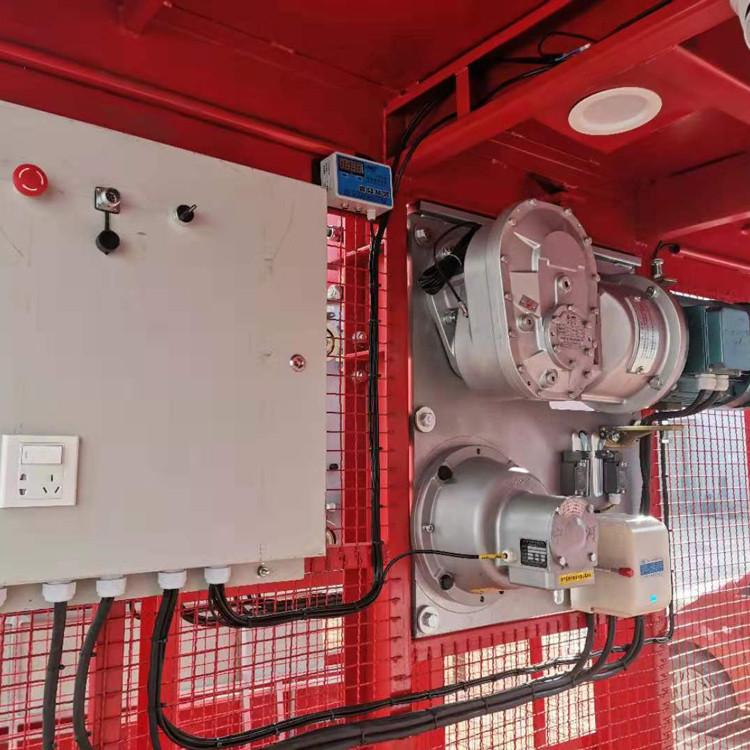 sc120/120齿轮式施工升降机内部