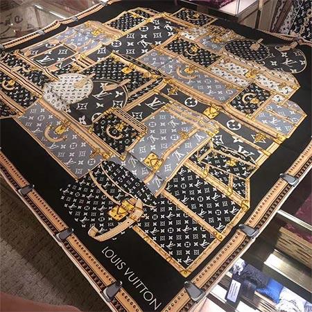 路易威登LV丝巾黑白方巾女士围巾90cm经典时尚Louis Vuitton老花满LOGO丝巾方巾