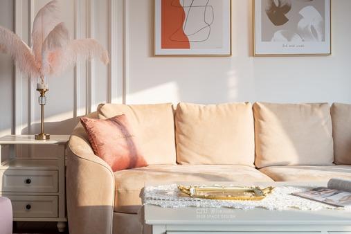 【零玖贰捌设计】180㎡杏粉温馨美式也有前卫感,超强大的收纳空间
