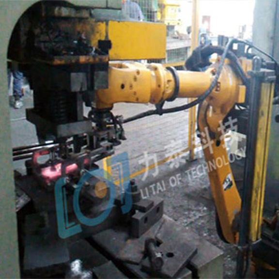 大吨位锻造工业机器人出现在齿轮生产线上