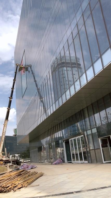商場玻璃幕墻工程