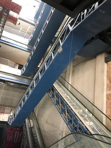 商場交叉梯群組井道移位整改加固工程
