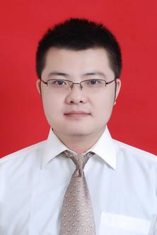 主治医师,易秋阳 672  中共党员